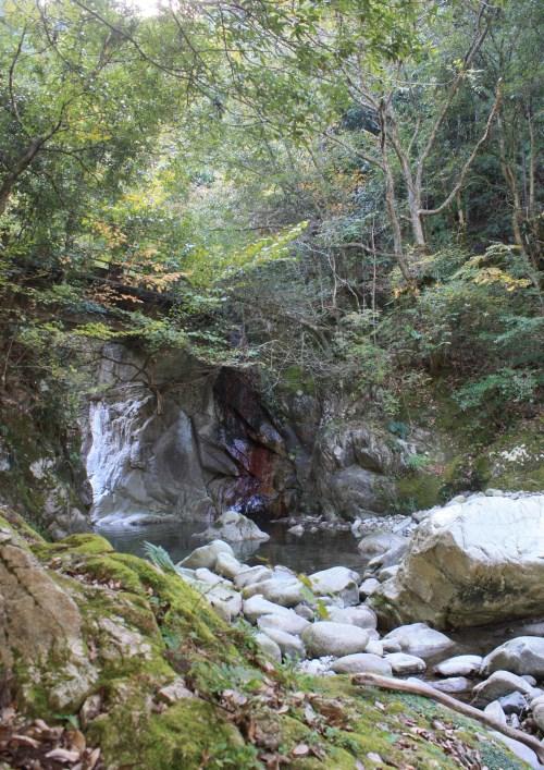 鈍川渓谷の渓流