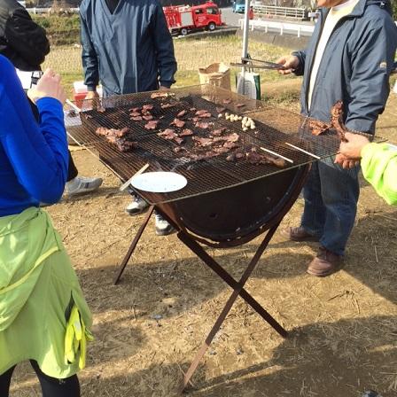 焼いたイノシシ肉