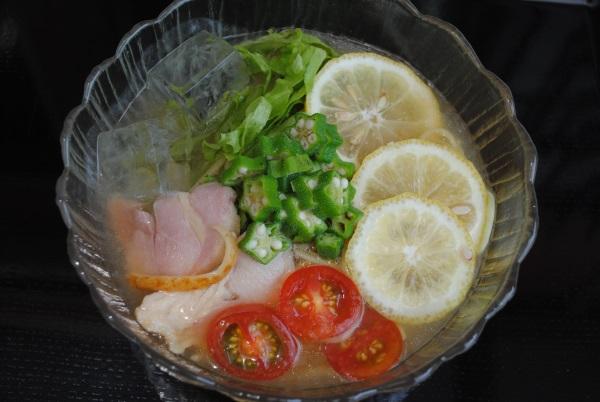 冷たい瀬戸田レモンラーメン 590円(税込)