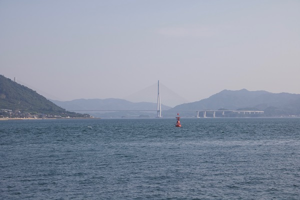 高根島から見た多々羅大橋
